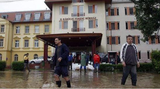 Szikszó kórház árvíz